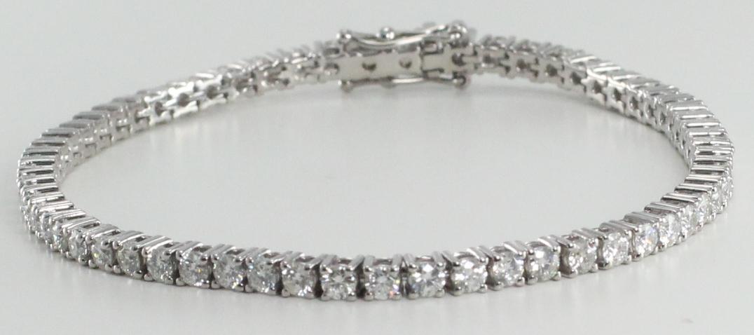 62 Stone Diamond Tennis Bracelet with G Color, VVS Clarity Diamonds