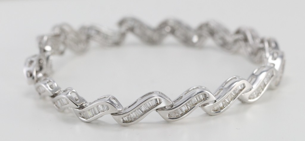 Baguette Diamond Tennis Bracelet white gold GIA certified